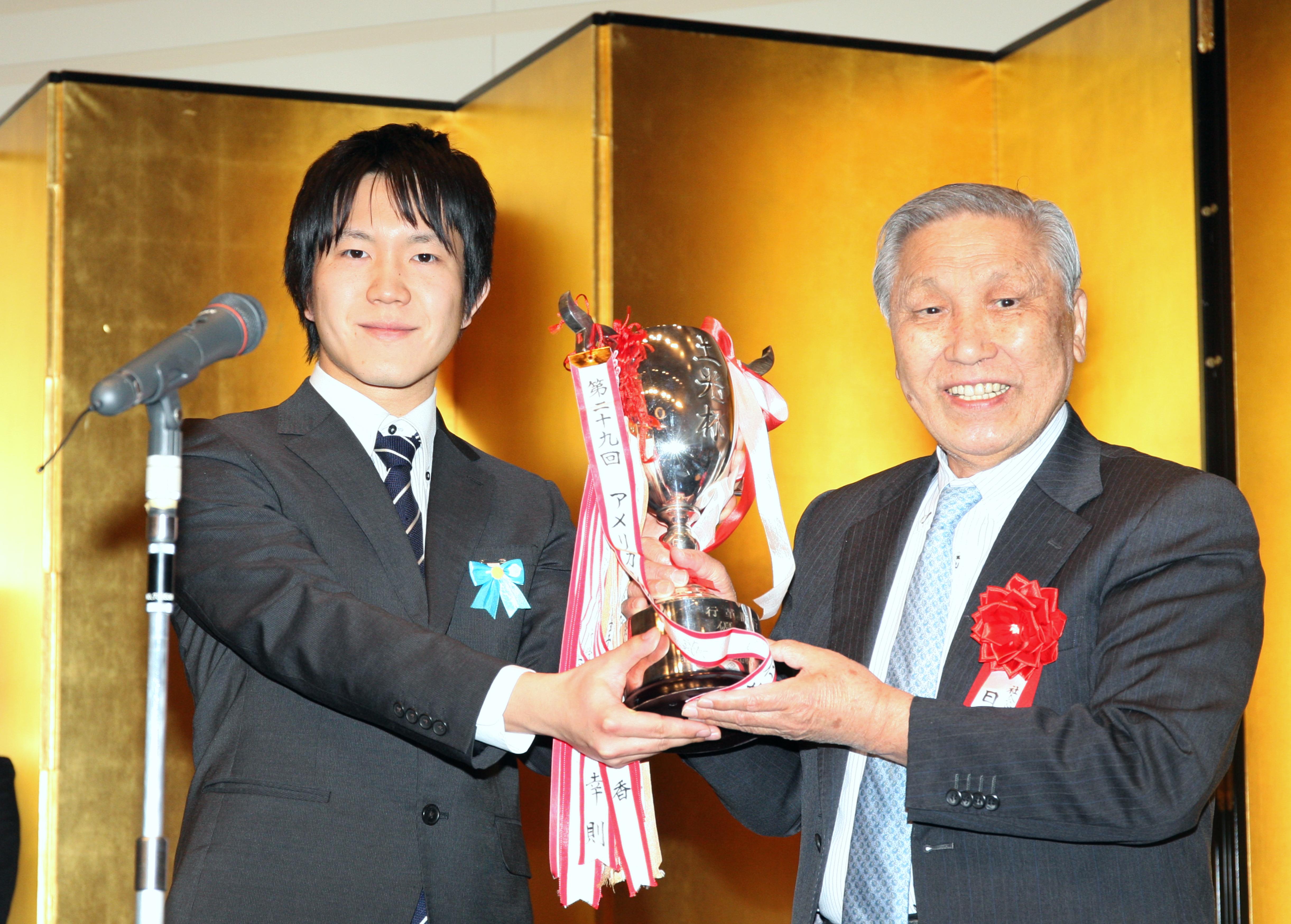 山本直人(左)